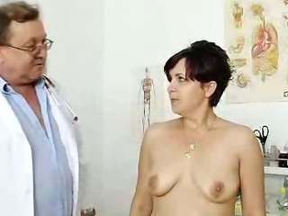 Porno Video of Redhead Madam Internal Piss Hole Medical-tool Exam