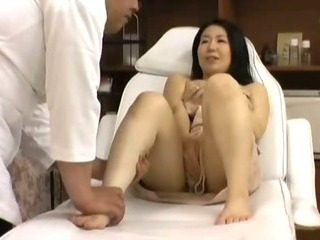 Porn Tube of Beauty Parlor Massage Spycam 1