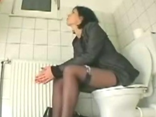 Porn Tube of My Sister Amanda Cumming On The Toilet Seat