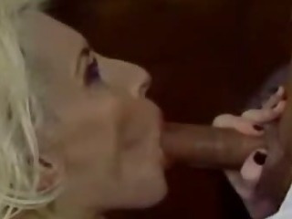 Porno Video of Experienced Milf Gives Great Blowjob