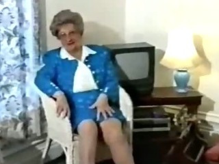Porno Video of Vintage Mature Amateur