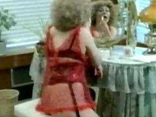 Porno Video of Busty Baller Classic