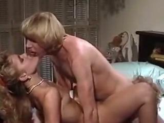 Porno Video of Hot Threesome Simultaneous Orgasm