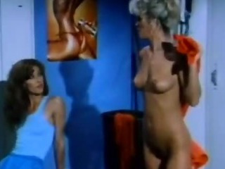 Porno Video of Vintage Lesbi Movie With Hot Chicks