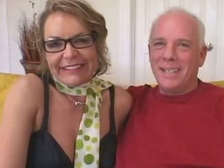 Porno Video of Older Mommy Seduces Young Stud