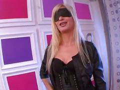FRENCH amateur Karine belle blonde hypersensuelle !