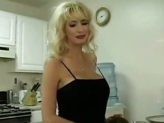 Porno Video of Pornstar Mother Fuck Young Guy