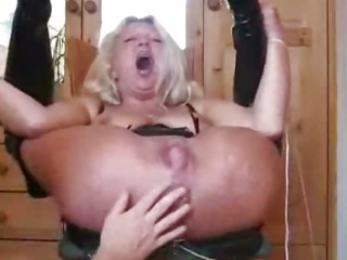 Porno Video of Squirt And Fist His Wife