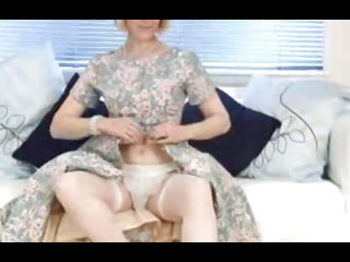 Sex Movie of Mature Housewife Fucks A Cucumber