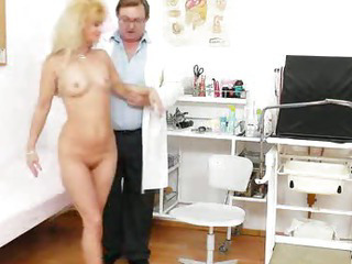 Porno Video of Mama Gets A Great Gyno Checkup