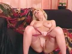 Milf masturbates in nylons
