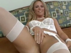 Hot Mommy Kayla Synz Fucked Hard