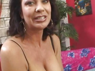 Porno Video of Hot Milf Show Her Hairy Pussy