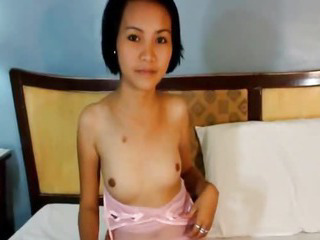 Porno Video of Sexy Amateur Asian Teen Takes It In The Mouth And Pussy