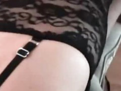 Housewife cock suck