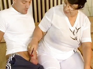 Porno Video of Brunette Busty Old Mom Fucked