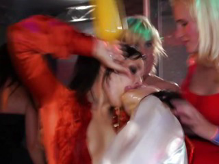 Porno Video of Real Young Teens Giving Head In Party