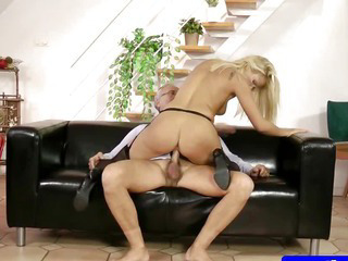 Porn Tube of Teen Amateur Masturbating Before Sex