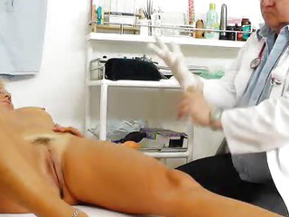 Porno Video of Blondes Mamma Gyno In Addition To A Little Extra