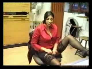Porn Tube of Turkish Amateur Secretary In Office
