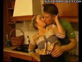 Porno Video of Mature Woman Fucked In Kitchen Xlx