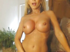 Busty MILF Strokes her Pussy