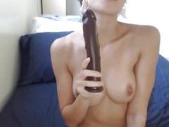 Hot Short Haired Babe Masturbating