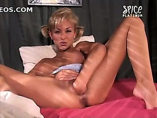 Porno Video of Delfynn Delage Anal Fist