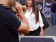 Big ass amateur pawns her pussy and fucked at the pawnshop