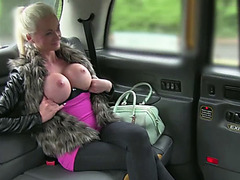 Bitchy Busty Blonde Cindy fucked for a free ride