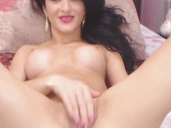 Hot Naughty Camgirl Fingering on Cam