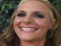 Amateur blonde fucks after interview