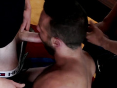 Redhead hunk cums during threeway action