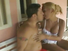 hardcore-scene-of-nasty-shemale-loves-bareback
