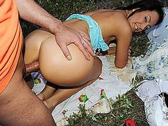 Nasty blow job-stimulation in a public place / Public Sex Adventures XXX Tube Channel