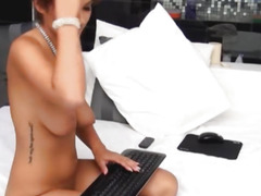 Nice-Looking Glamorous Legal Age Teenager Rubbing Her Clits on Livecam