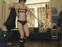 Hawt Chick Acquire Stripped on Livecam
