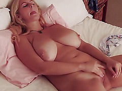 mother I'd like to fuck tetona y rubia se masturba