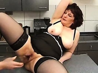 Porn Tube of Extreme Mom Insertion And Squirt