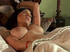Coarse sex with the smokin' hawt mom Kendra Craving