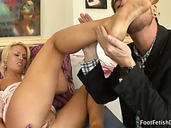 Jamey Acquires Her Feet Worshipped And Wet Crack Stimulated