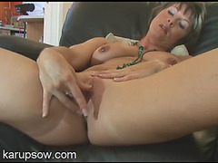 Solo mother i'd like to fuck chick in her living room to rub her clit