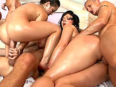 Vídeos porno HD de Large A-Hole Oil Fuckfest
