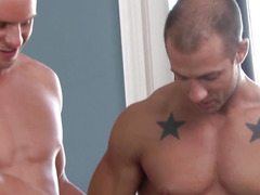 Muscled str8 enjoys fuckfest with homosexual hunks