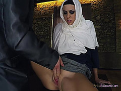 Arab Hottie Blows Large Dicked Rich Chap For Some Specie