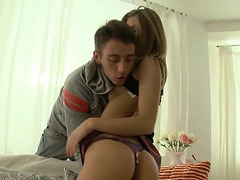 Italian Legal Age Teenager Girl Anal Video With Small Beauty