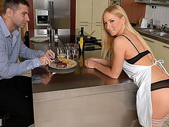 Blond housewife acquires her moist cookie slammed
