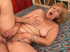 Old fair haired bitch receives her bushy limp bawdy cleft screwed in sideways style