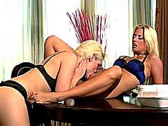 Lesbo Allies Having Pleasure.threatening.threatening.menacing Vidéos pornos HD