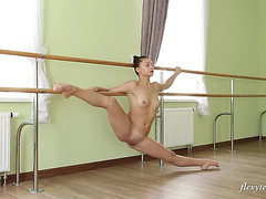Flexy Legal Age Teenagers fearsome-menacing Regina Blat's solo bare performance at the ballet barre threatening-menacing PornDoe